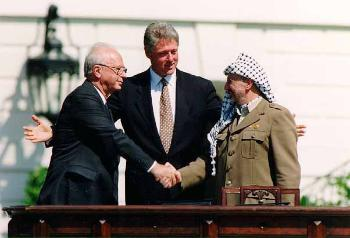 standard_bill_clinton__yitzhak_rabin__yasser_arafat_at_the_white_house_1993-09-13