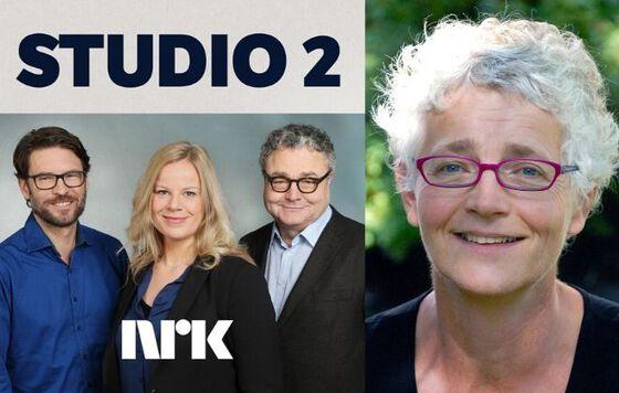 Tre programledere fra Studio 2 og instituttleder Karen Gammelgaard
