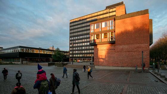 Bilde av bygningene til Det humanistiske fakultet på Blindern.